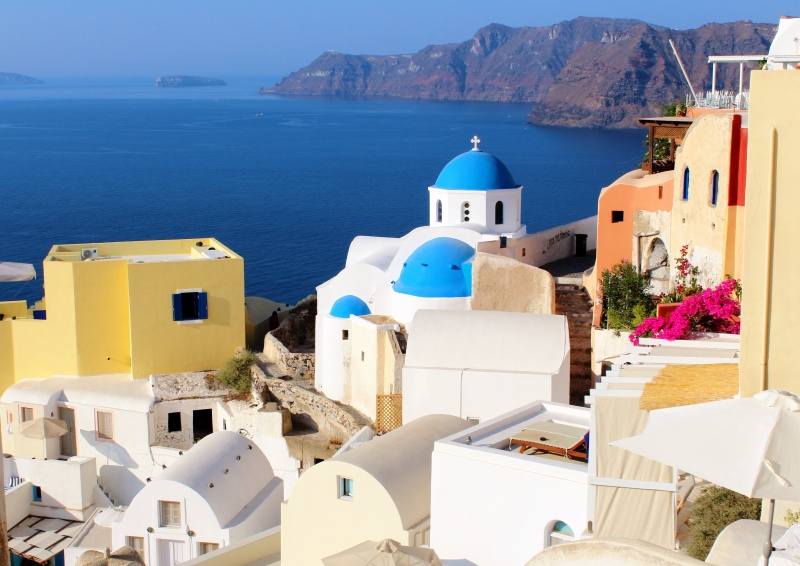 In Oia, the island's most beautiful vistas await you around each and every corner.